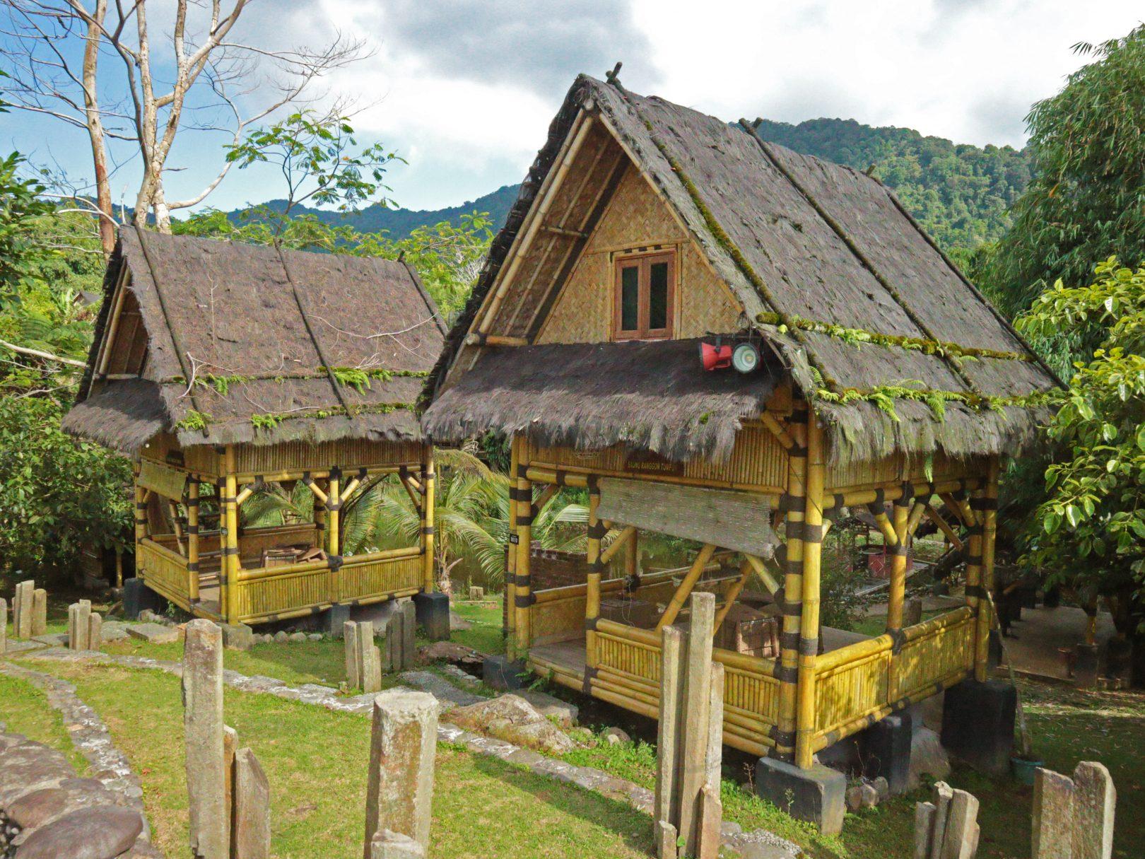 Saung Ranggon Tumpuk