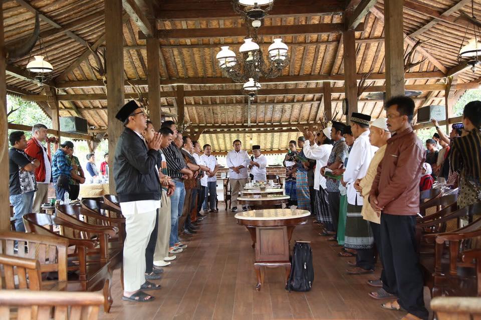 Peringatan Maulid Nabi Muhammad SAW Di Kampung Budaya Sunda Paseban
